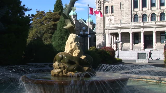 Parliament buildings with fountain, Victoria, BC, Canada. video