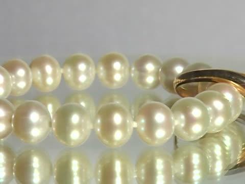 pearl jewelry video