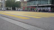 CNEUCIT1148 - Pedestrian commuting and vehicle traffic video