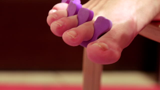 Pedicure of small nails on the feet video