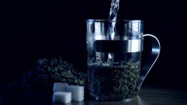 Peppermint tea slowmotion video