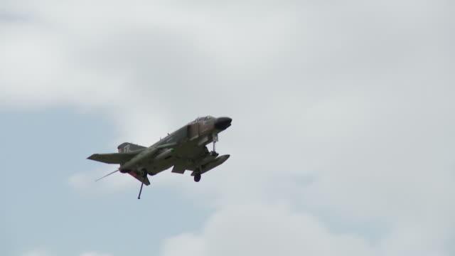 F-4 Phantom 30_1 video