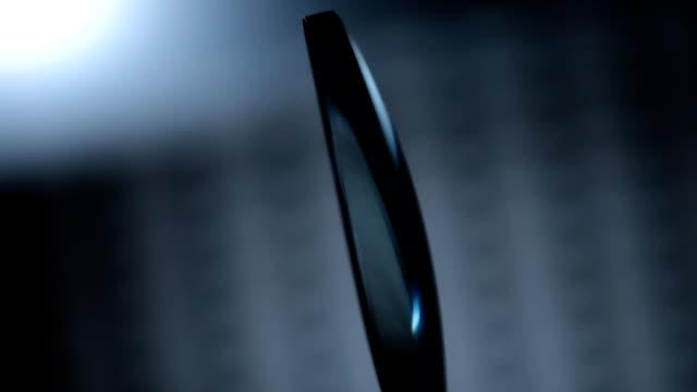 Photochromic blue lens spinning video