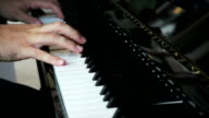 Pianist hands video