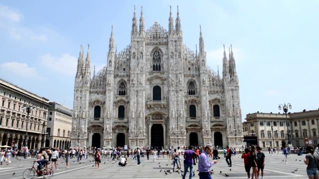 Piazza del Duomo in Milan video