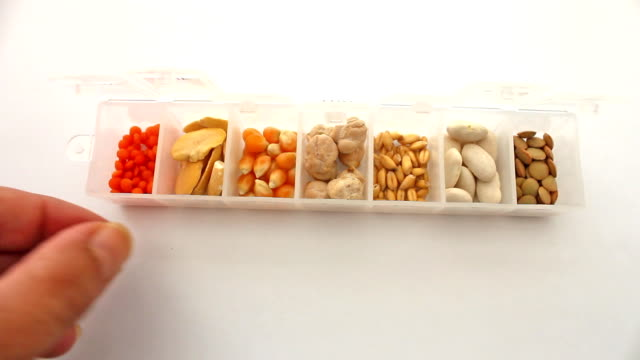 Picking the Grains in a Pill Box video