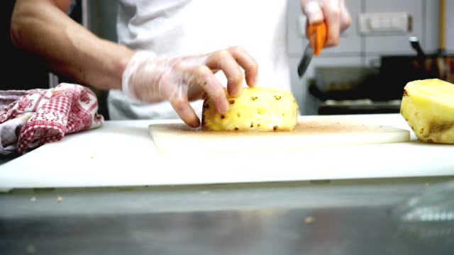 Pineapple cubes video