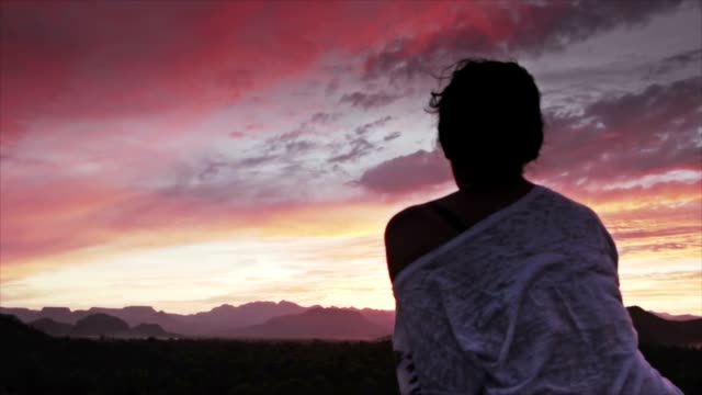 Pink horizon video
