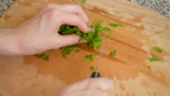 piquant herbs for salad video