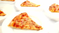 Pizza Margherita plates video