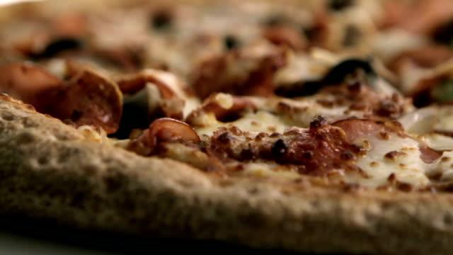 Pizza pie video