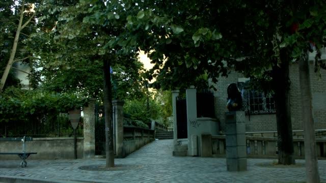 Place Dalida in Paris video