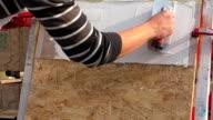 Plasterer show wall decoration methods video