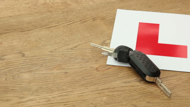 L Plate & Keys / Learner driver video