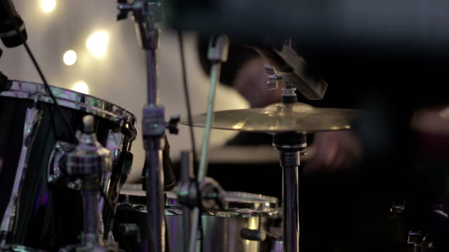 Play drum video