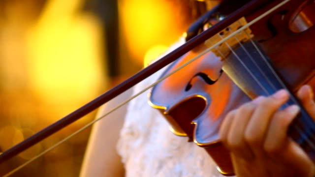 play violin video