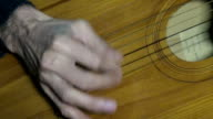 Playing guitar chords hand string video