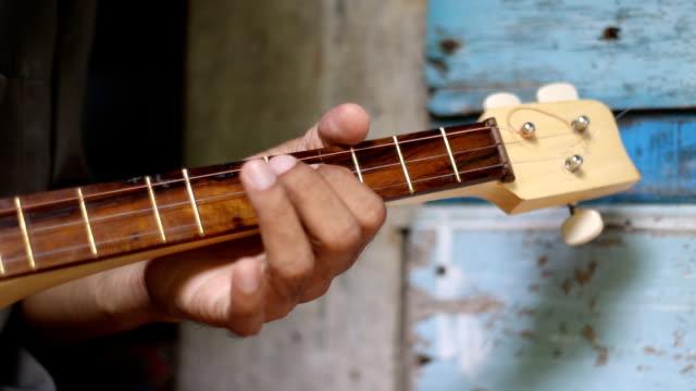 playing local mandolin video