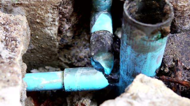plumbing water leak video