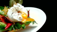 Poached egg meal yolk leaking video