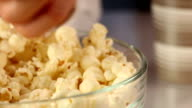 Pop Corn video