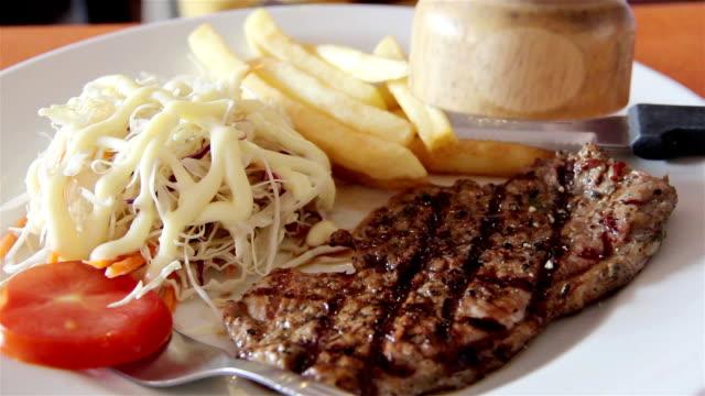 pork steak and vegetable salad video