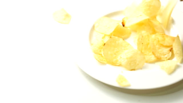 potato ship snack on dish video