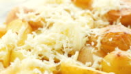 Potatoes baked with cheese video