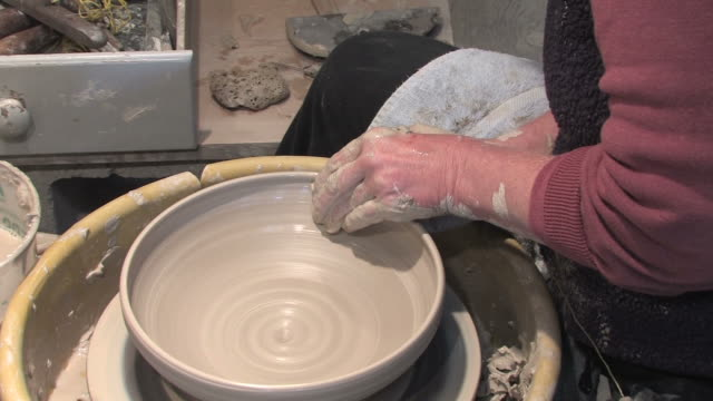 Potters Wheel - Large Bowl 2 video