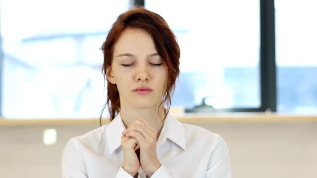 Praying Woman video