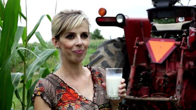 Pregnant woman on the farm. video