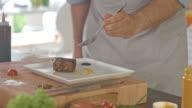 Preparing roasted beef for serving video