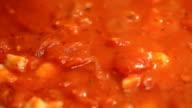 Preparing shrimp tomato sauce video