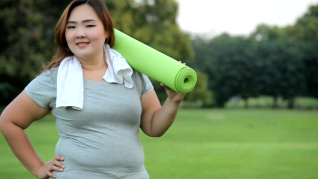 Pretty fat woman going to work out video