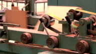 production of corrugated from cardboard packaging video