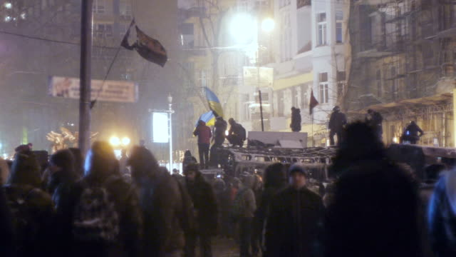 Protesters on Grushevskogo street in Kiev, January 2014 video