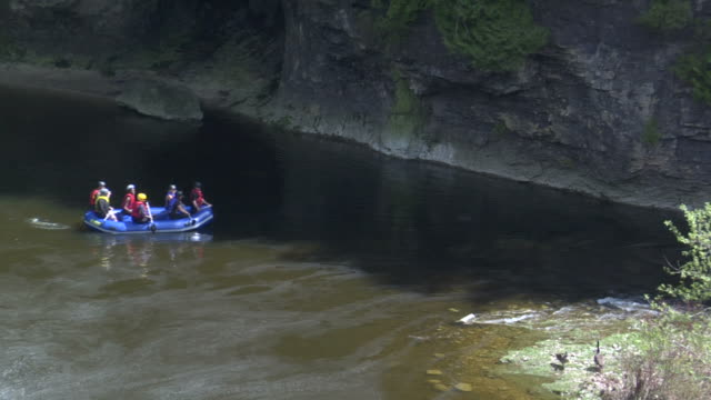 rafting in Elora Gorge1 video