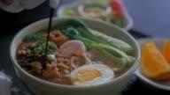 Ramen noodles, Slow motion video