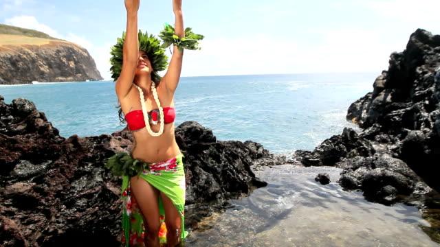 Rapa Nui Woman Dancing video