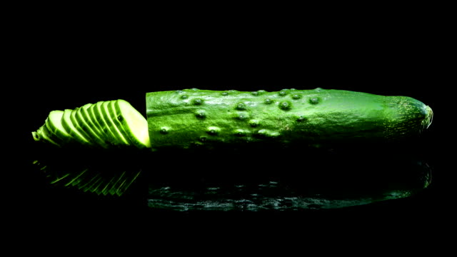 Reconstruction of cucumber video