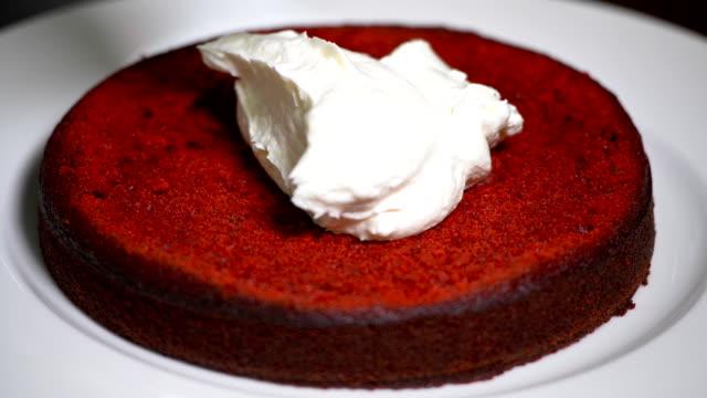 Red Velvet Cake. To assemble cake red velvet video