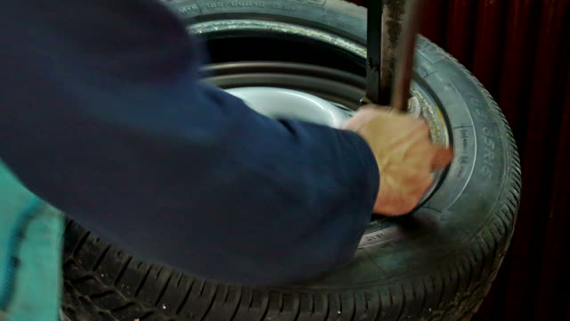 Replacement tires in auto service video