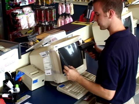 Retail worker (PAL-DV) video