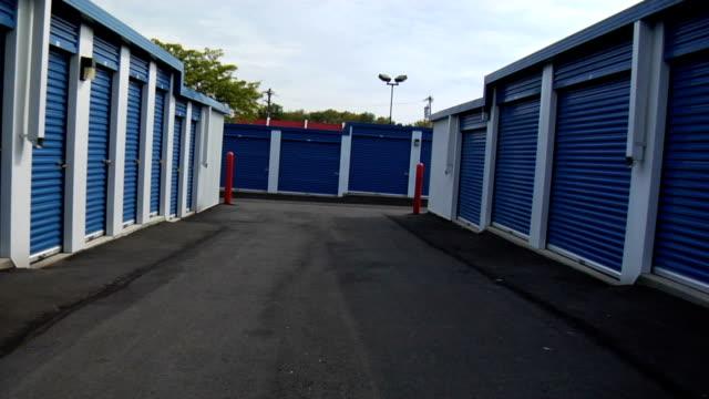 HD DOLLY: Revealing locker units video