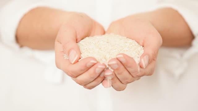 Rice in Her Hands video
