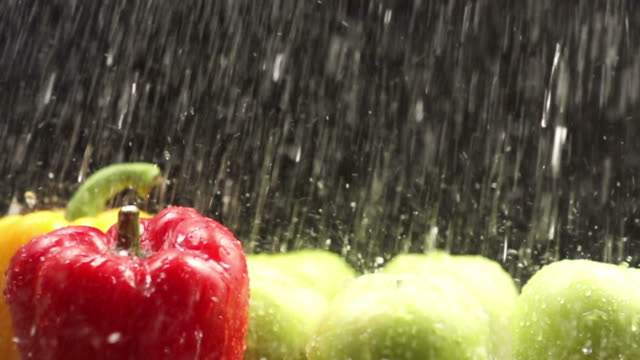 Rinsing Bell Pepper : HD Slow motion video