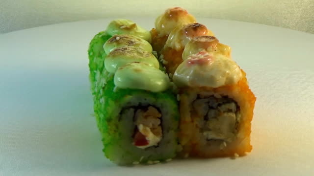 Roll with chicken, tomato and tuna video