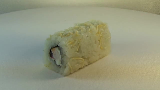 Roll with cream cheese and crab meat video