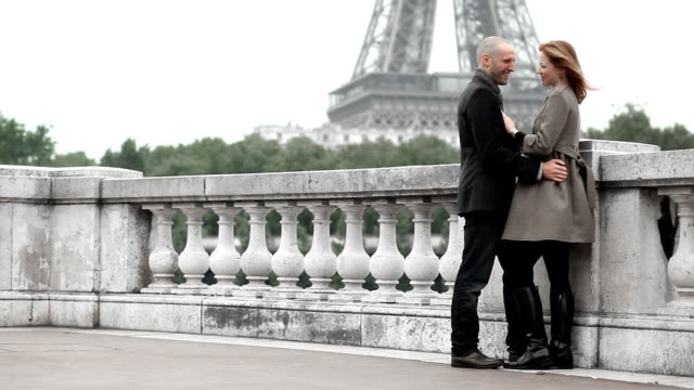 Romance Paris video