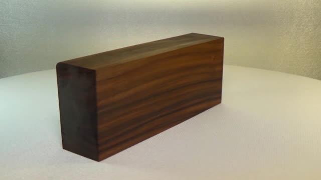 Rotating the block of wood palisander santos video
